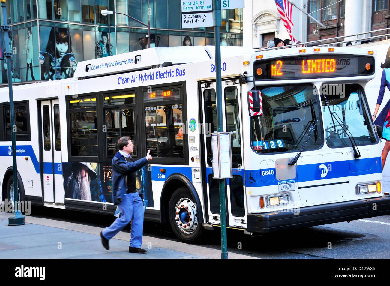 New York City Public Transportation M2 Bus, Manhattan, New York City, USA - Stock Image