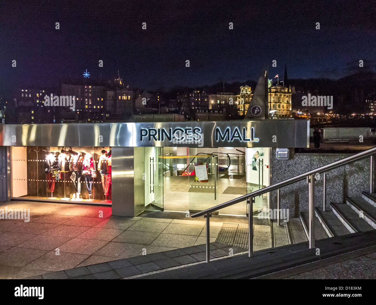 Night view of entrance to Princes Mall off Princes Street in Edinburgh Scotland - Stock Image