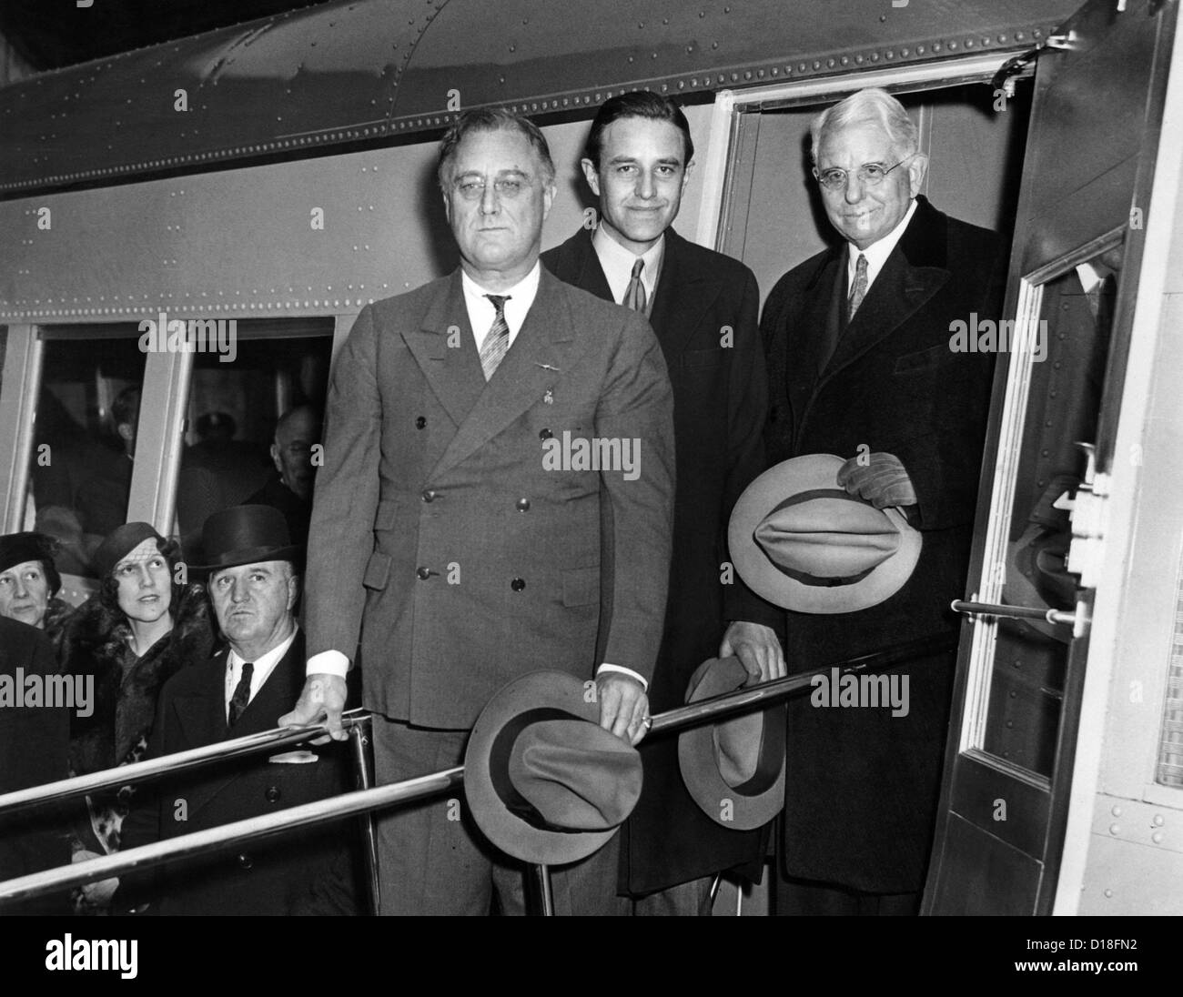 President Franklin Roosevelt inspects the new Union Pacific Streamliners. He is with Averill Harriman, Chairman Stock Photo