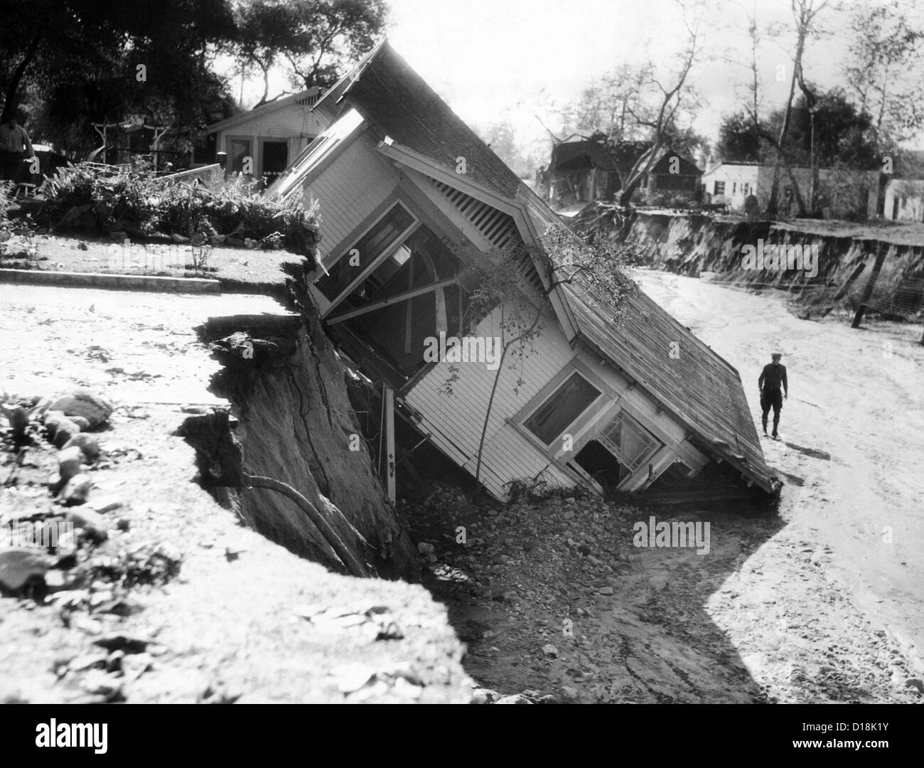 California New Year's Day 1934 flash flood. After a week of ... on log cabin walls, office walls, modular home interior walls, mobile technology in construction, mobile homes built in 1971, mobile rock climbing wall, mobile homes modern remodel design, contemporary walls, mobile partition wall,