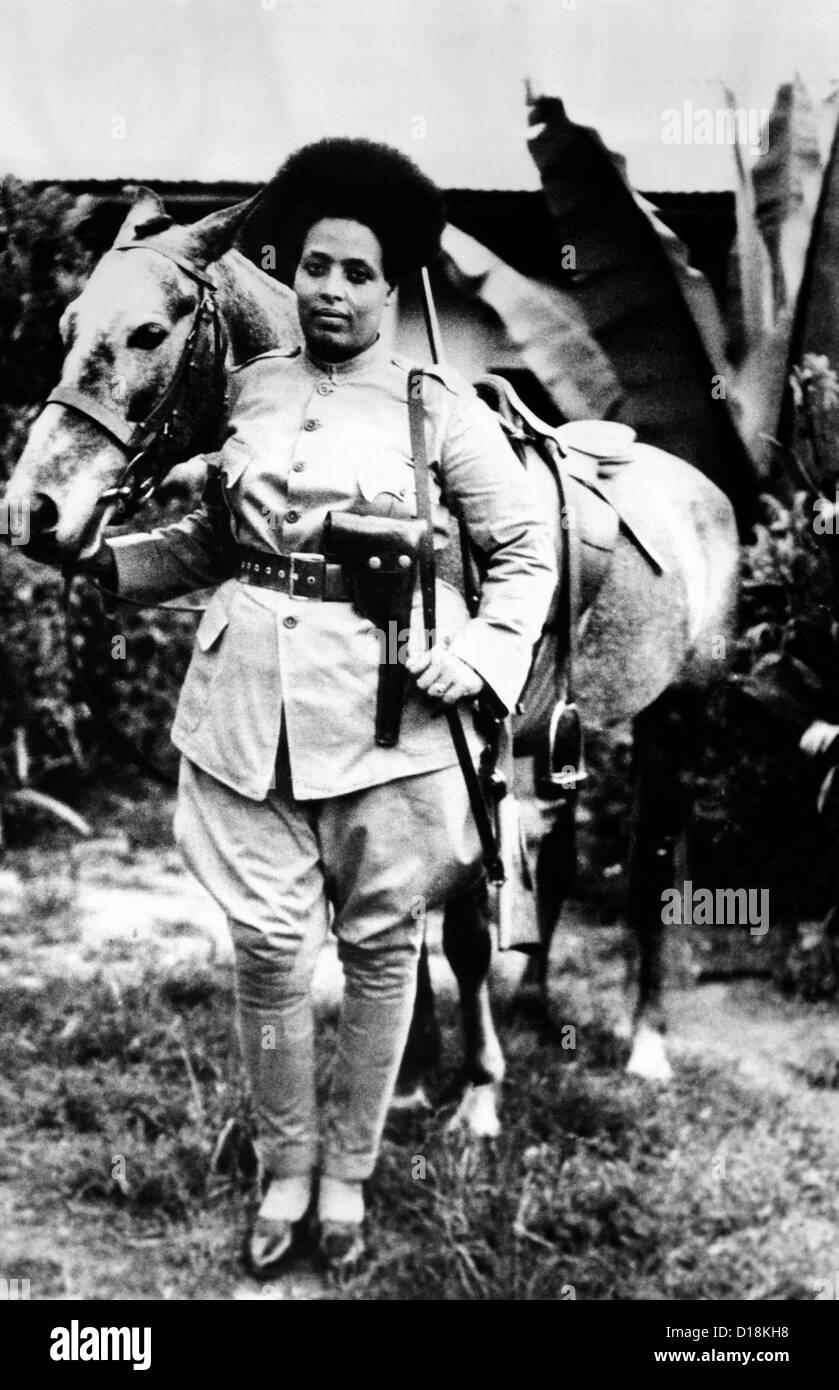 Second Italo-Ethiopian War. Women were recruited for the Ethiopian Army after the country was invaded by Italy. - Stock Image