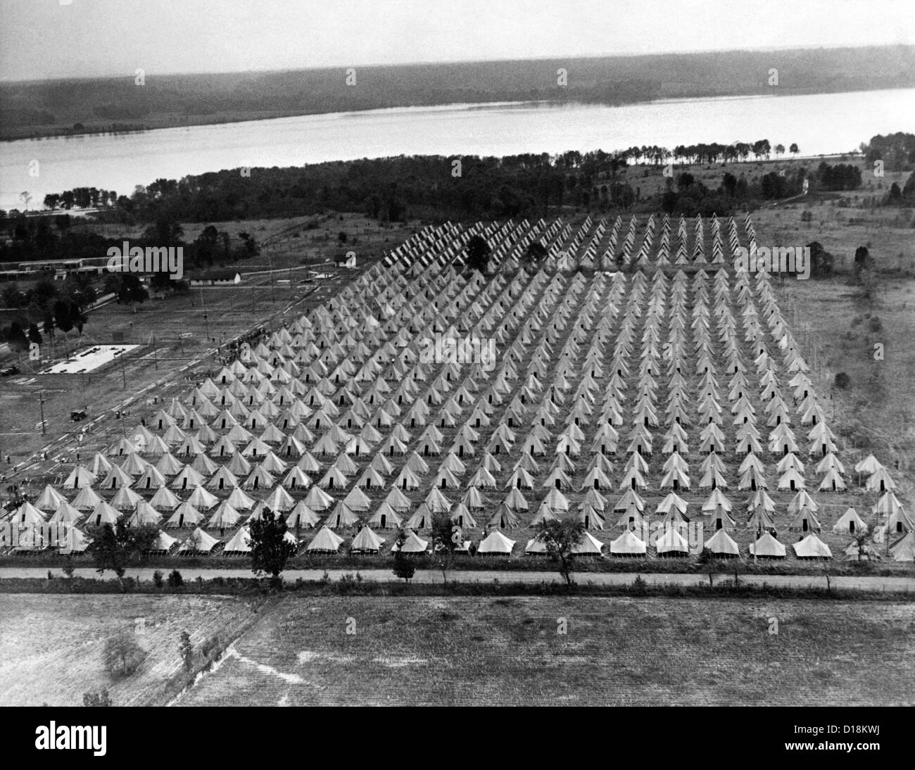 Bonus Army. An aerial view of Bonus City, at Fort Hunt, Virginia. When the Bonus Army returned for a second attempt - Stock Image