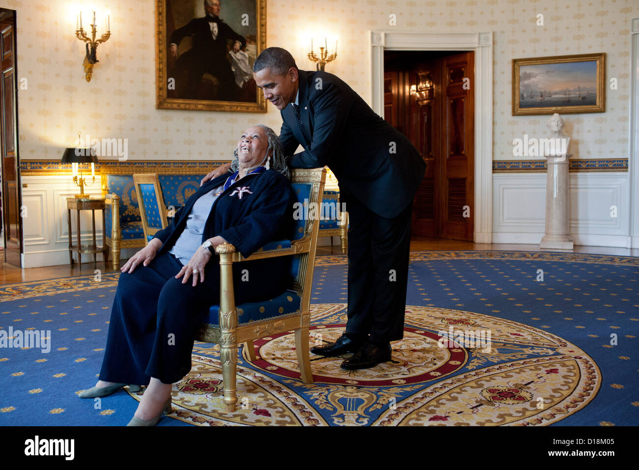 President Barack Obama talks with Presidential Medal of Freedom recipient Toni Morrison in the Blue Room of the - Stock Image
