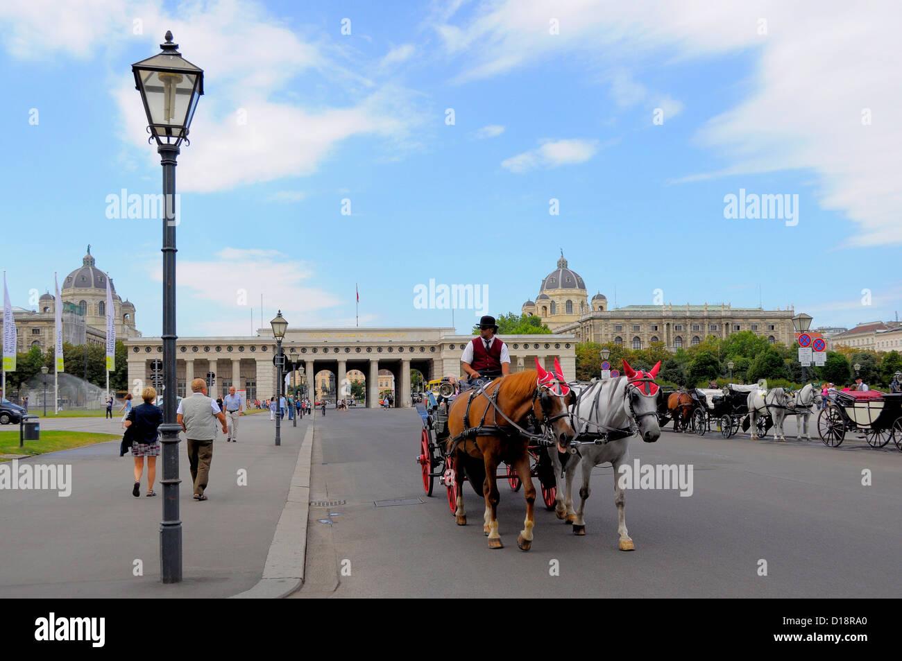 Österreich, Wien, Hofburg zu Wien, Fiaker, Pferde mit Kutsche, - Stock Image