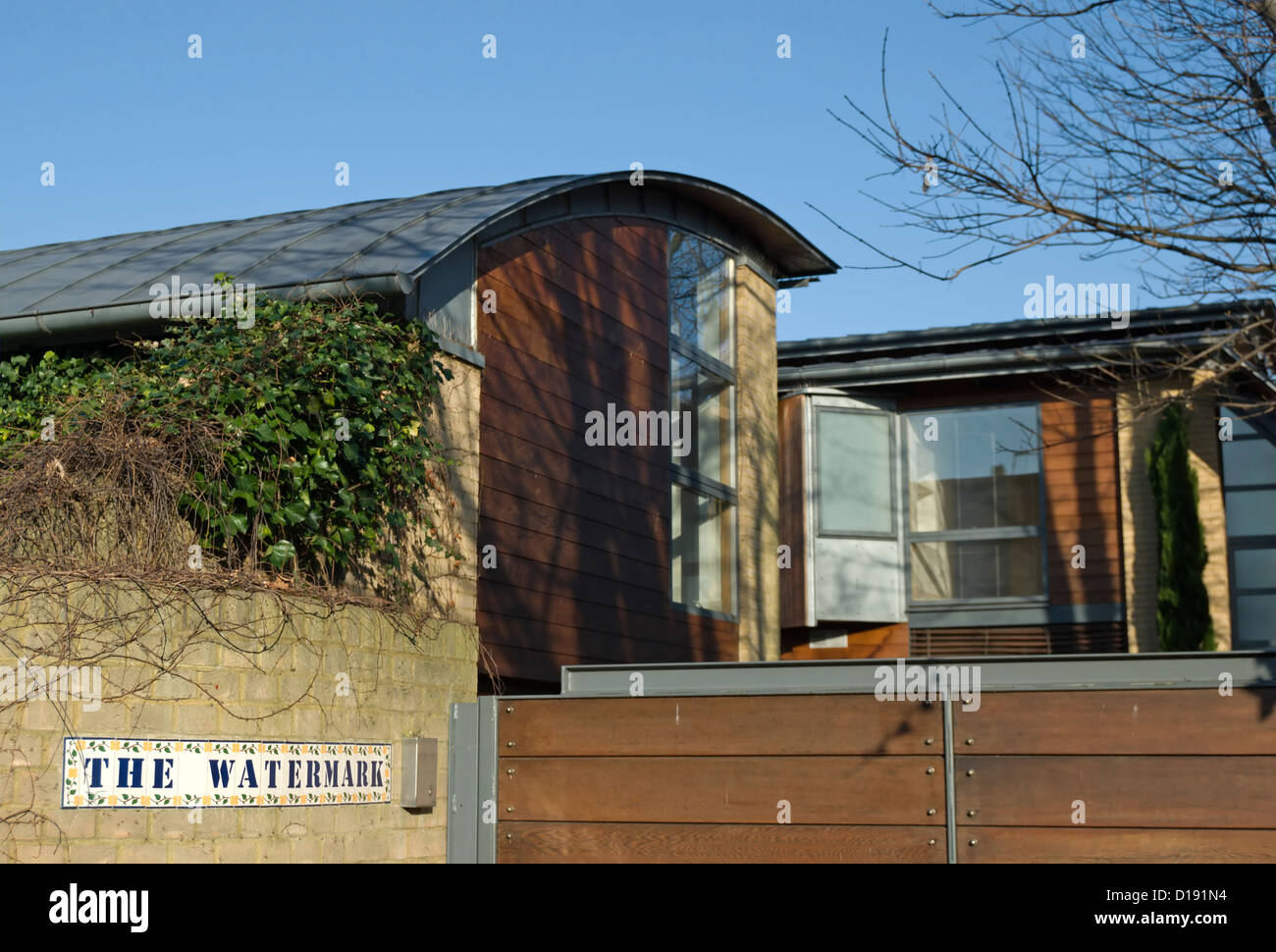 entrance with name sign of the watermark, an architecturally innovative house of 1999, twickenham, middlesex, england - Stock Image