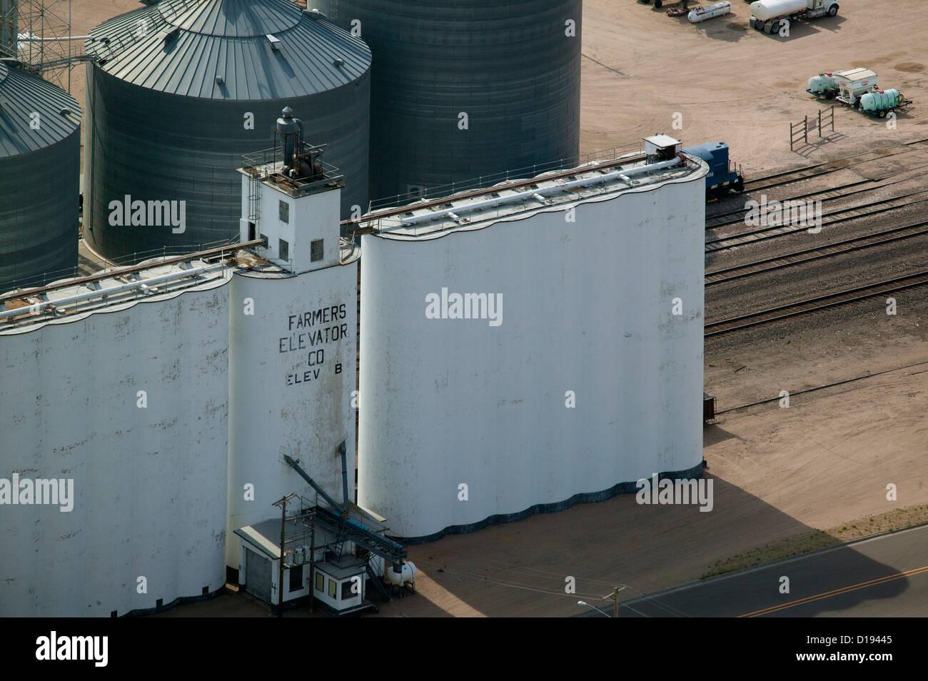 aerial photograph grain elevators Farmers Elevator Company Chappell Nebraska - Stock Image