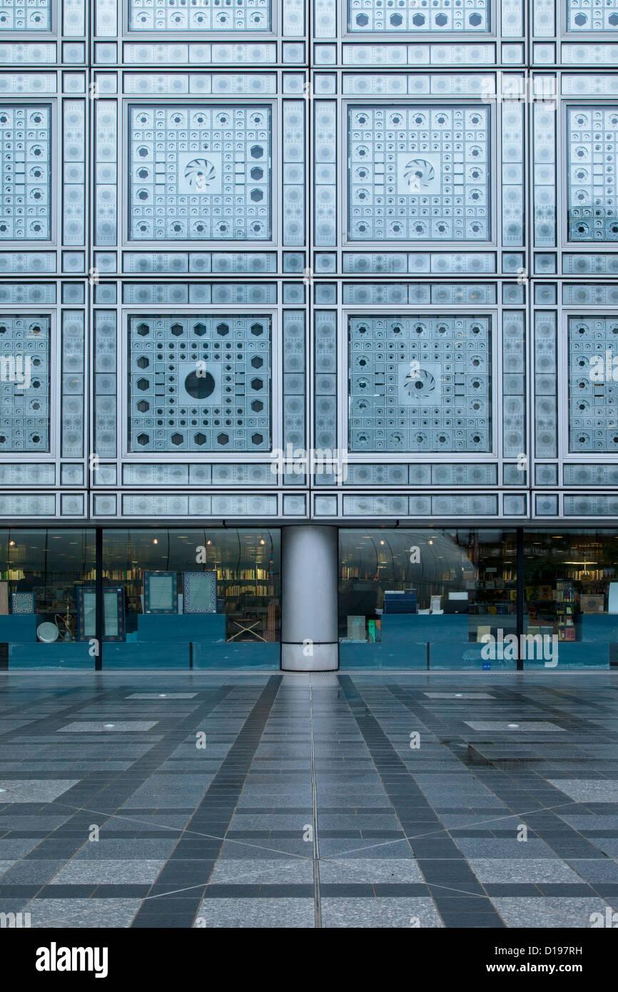 Photo Cell window blinds at Institut du Monde Arabe - Arab World Institute, Paris France - Stock Image