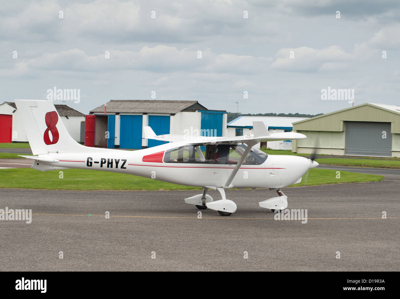 Jabiru J430 light aircraft at Halfpennygreen Airfield, Bobbington. England.  SCO 8882 - Stock Image