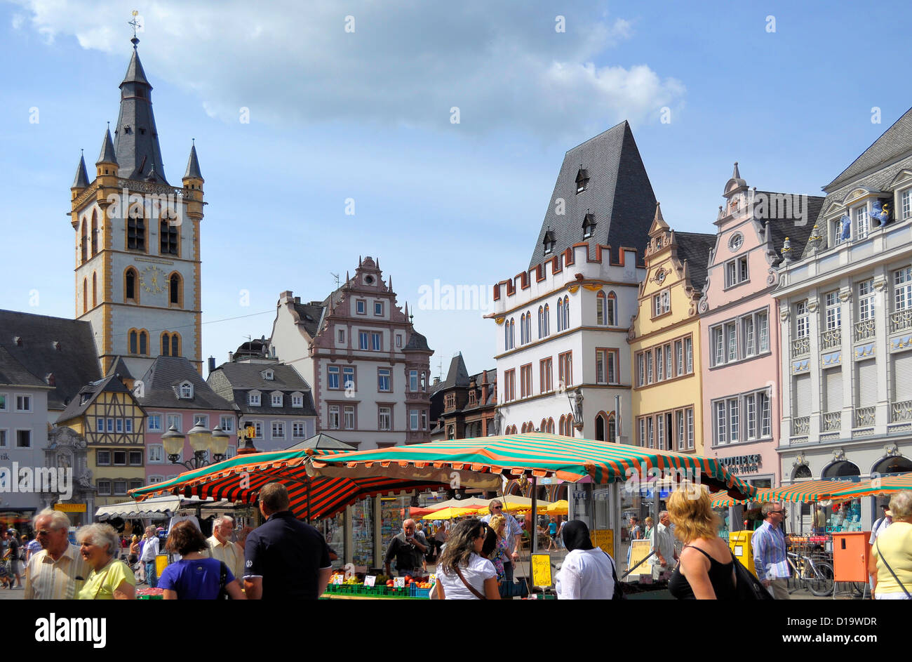 Trier Pedestrian Shopping Street The Main Market In The Center Stock Photo Alamy