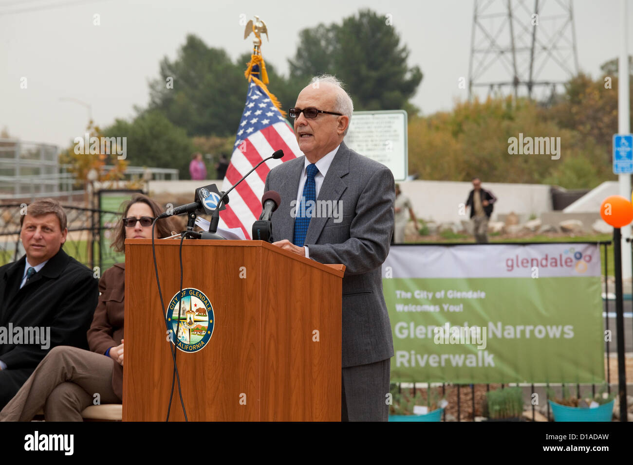 Glendale Mayor Frank Quintero. The Glendale Narrows Riverwalk opened on December 12, 2012 with a ribbon cutting - Stock Image