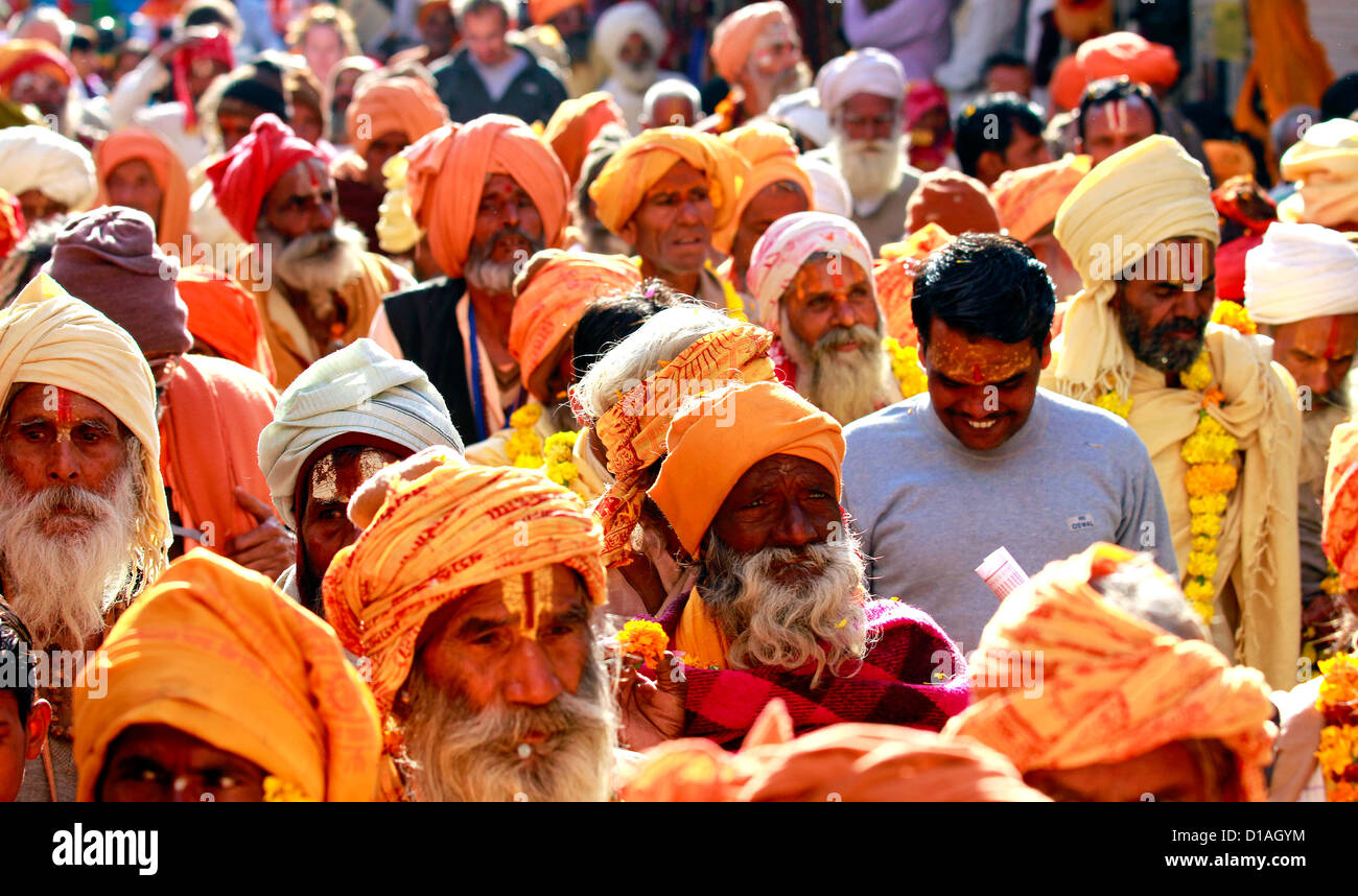 Large group of sadhus at Pushkar fair - Stock Image