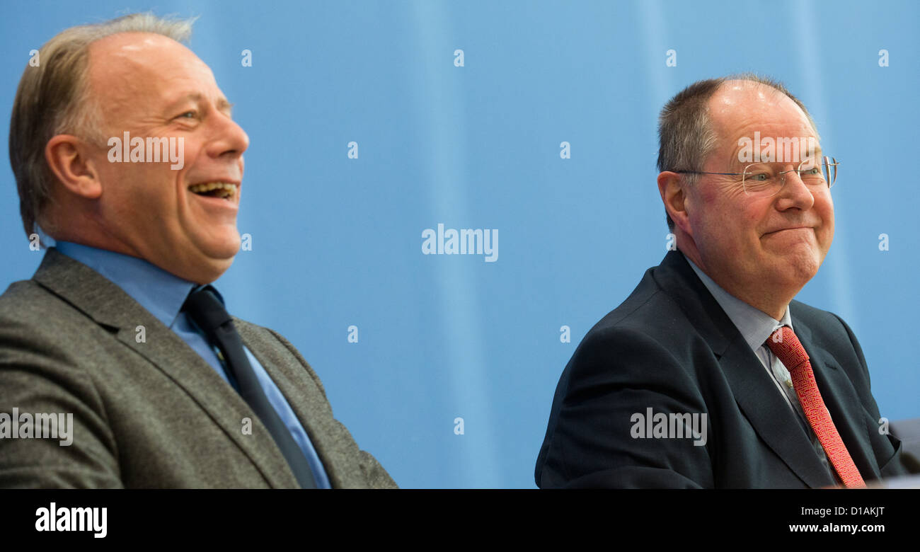 SPD candidate for chancellor Peer Steinbrueck (R) and the Chairman of the Green Party parliamentary group Juergen - Stock Image