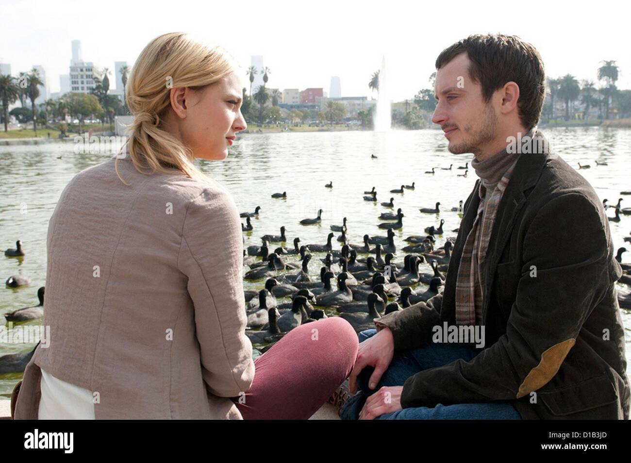 MIDNIGHT'S MANIAC 2013 IFC film with Nora Arnezeder as Anna and Elijah Wood as Frank - Stock Image