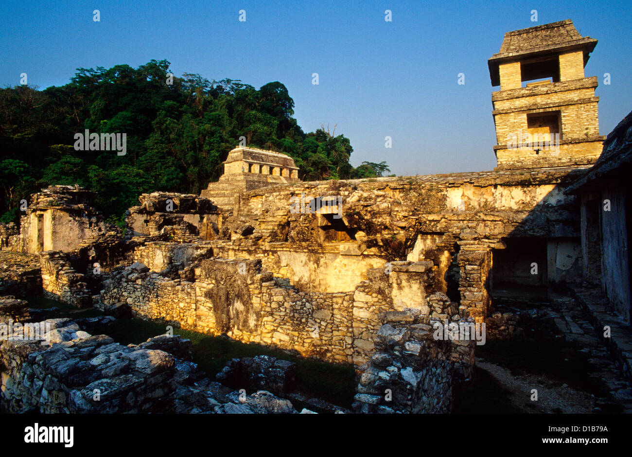 The Palace (El Palacio)  and the Temple of the Inscriptions in background.  Palenque Archaeological Site,  Chiapas - Stock Image