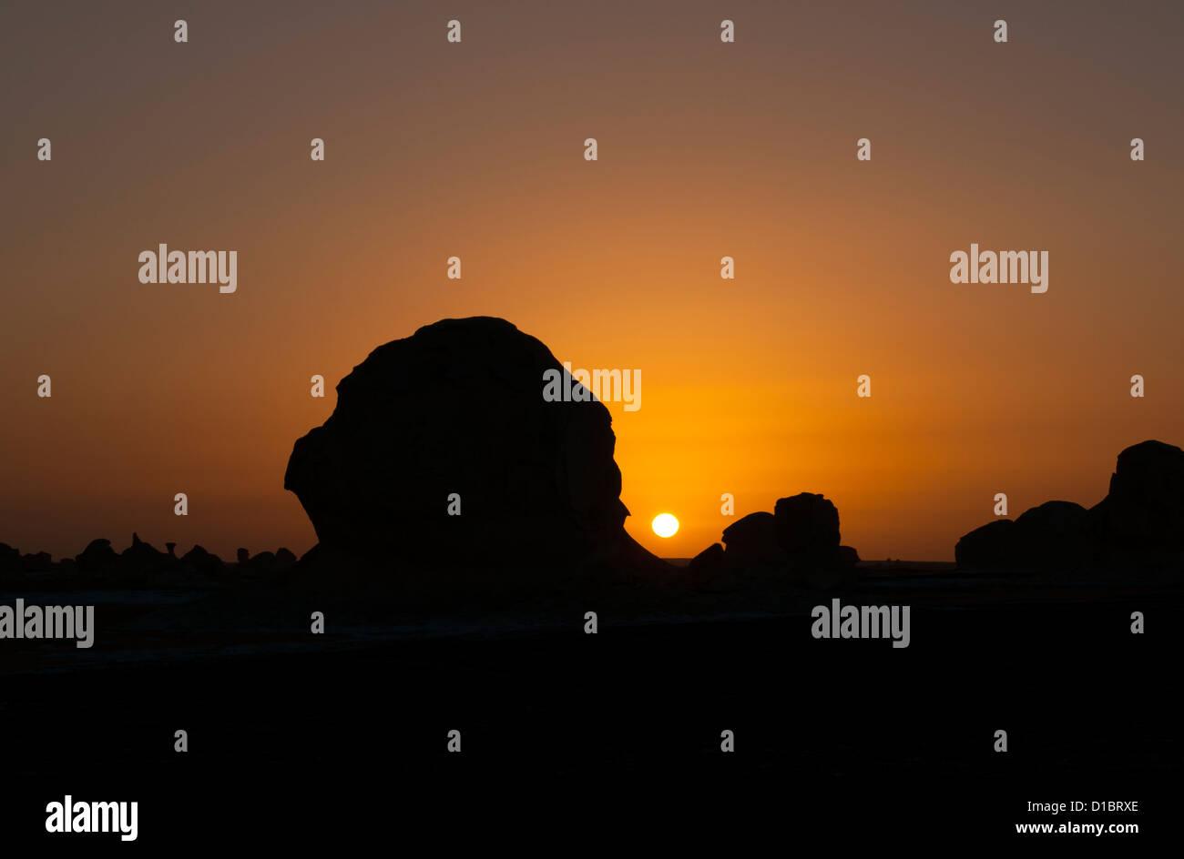 Rock Formations at Sunset, White Desert (Sahara el Beyda), Egypt - Stock Image