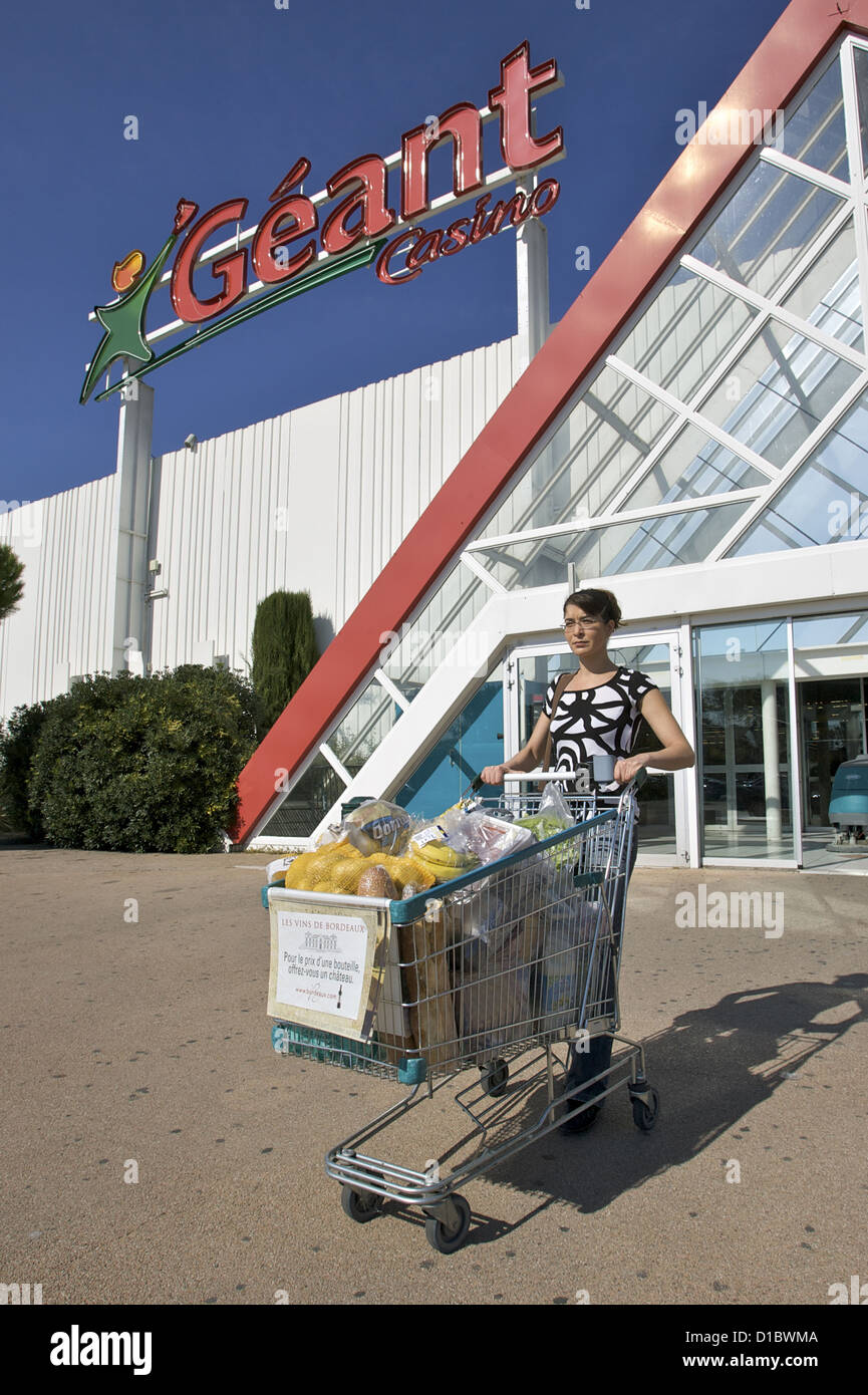 Geant Woman High Resolution Stock Photography And Images Alamy