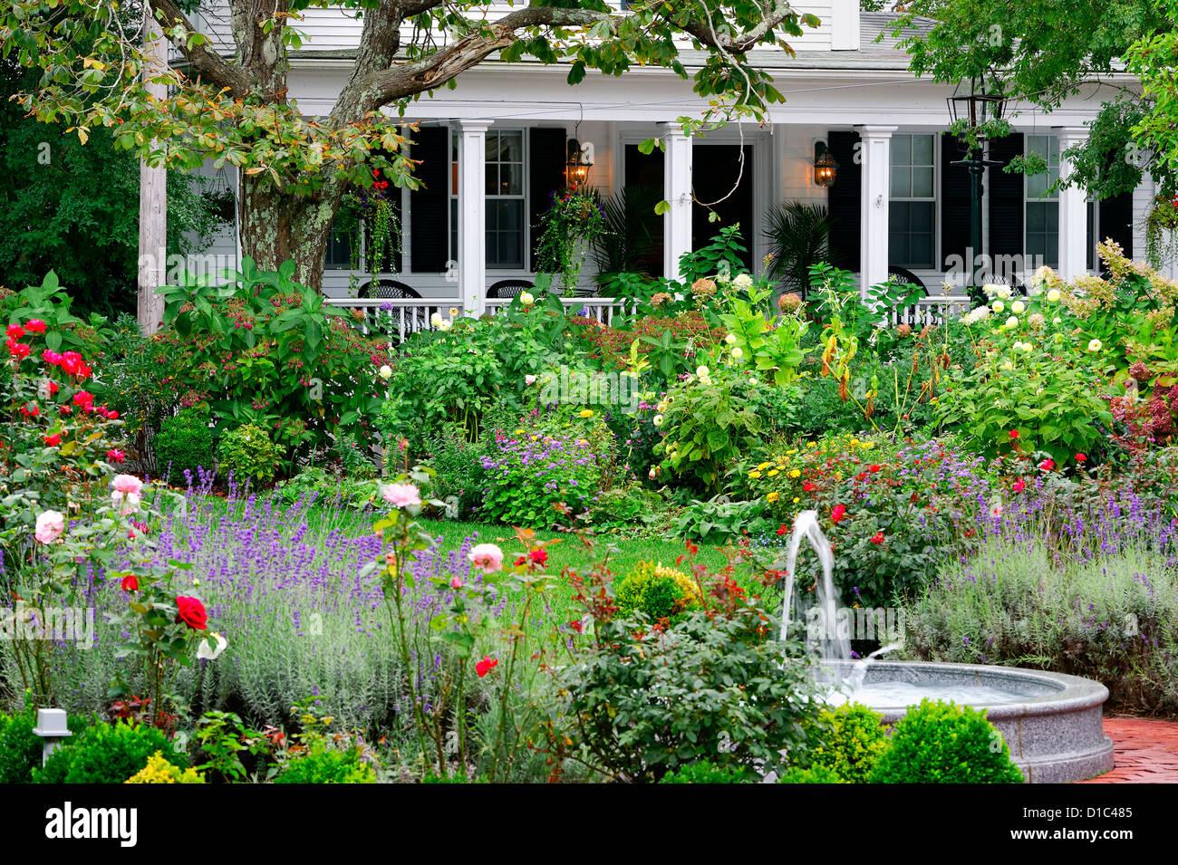 Lovely Home And Gardens Edgartown Martha S Vineyard Massachusetts