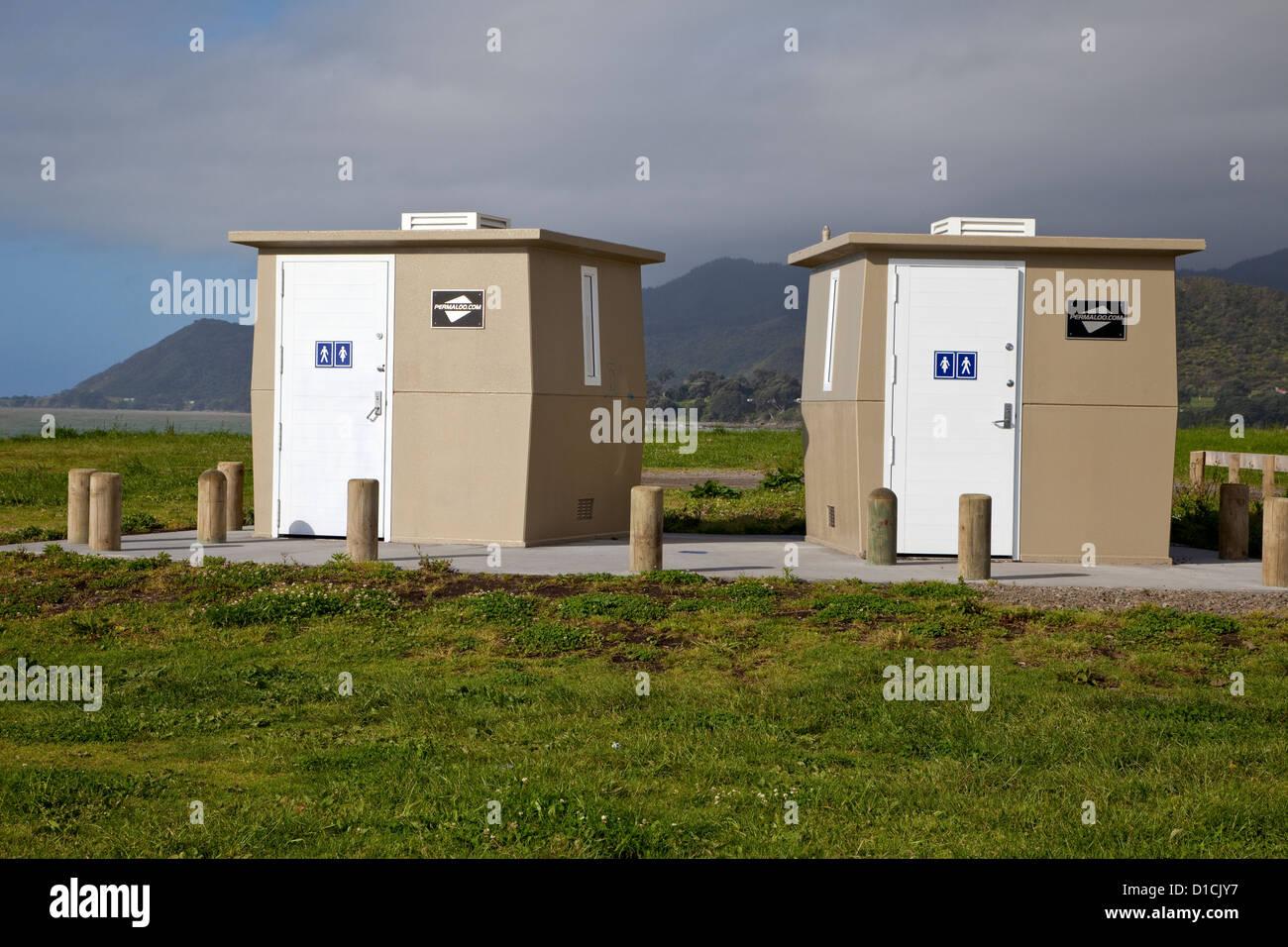 Public Restrooms, near Opotiki, Bay of Plenty, Highway 35. - Stock Image