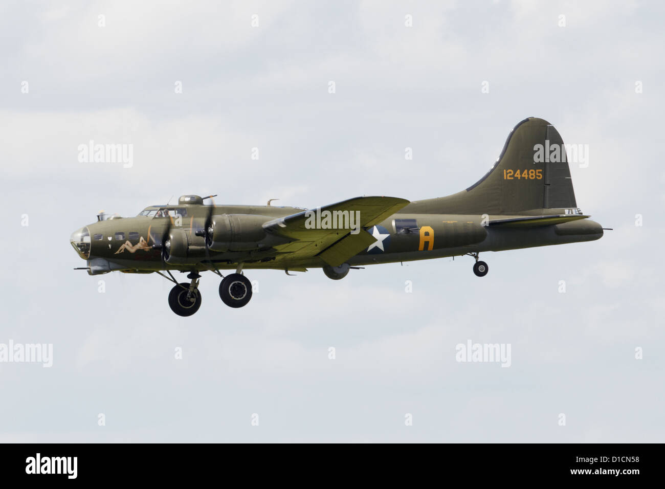 Boeing B-17G Flying Fortress flying during an air show Stock Photo