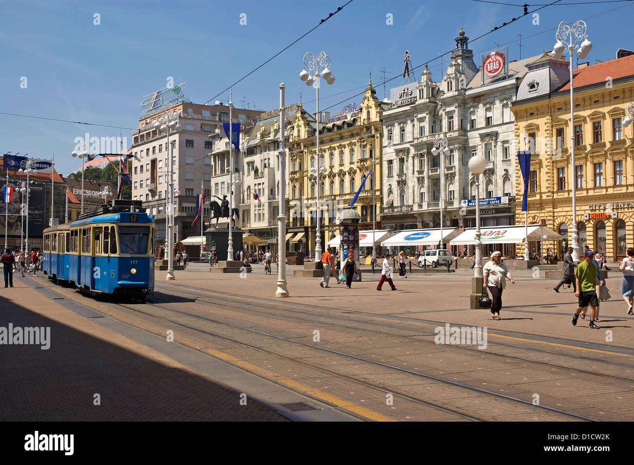 Elk192-1013 Croatia, Zagreb, Trg Josip Jelacica with streetcar Stock Photo