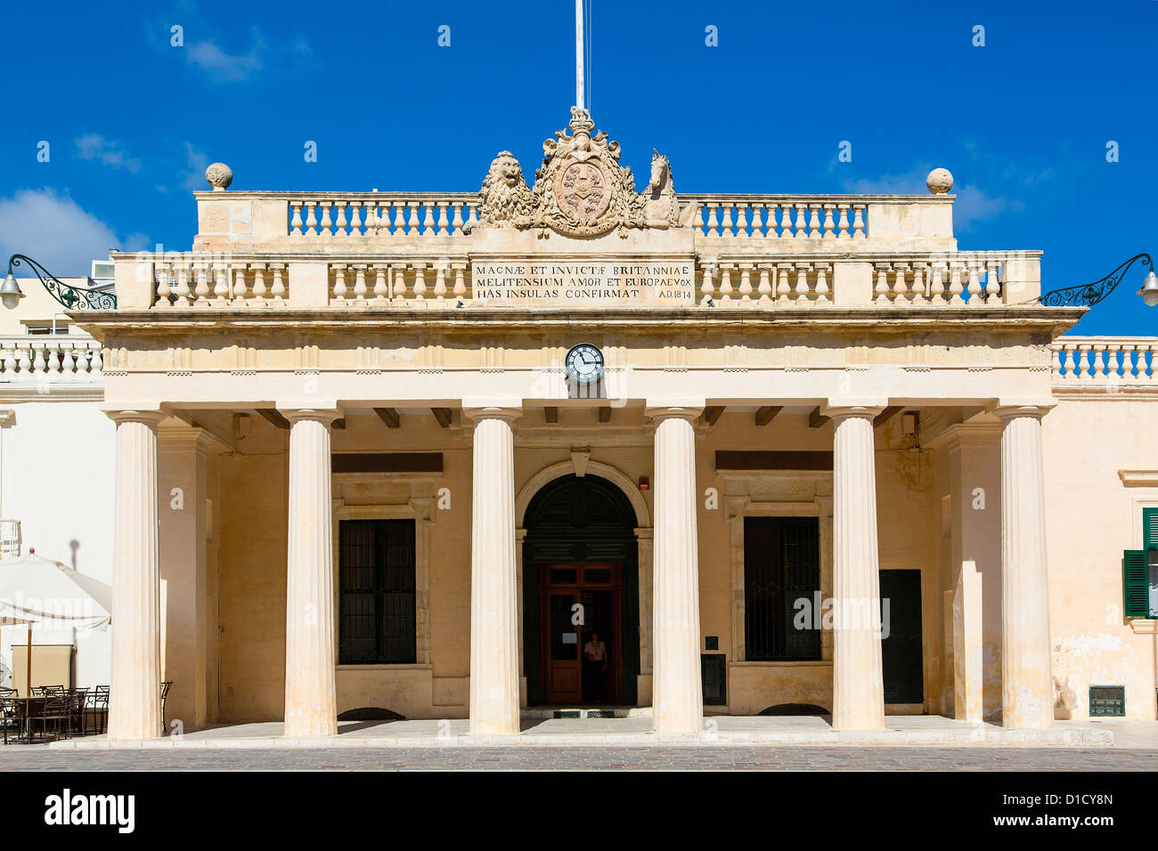 A Government building on St George's Square, Misrah San George or Palace Square, in Valletta - Stock Image
