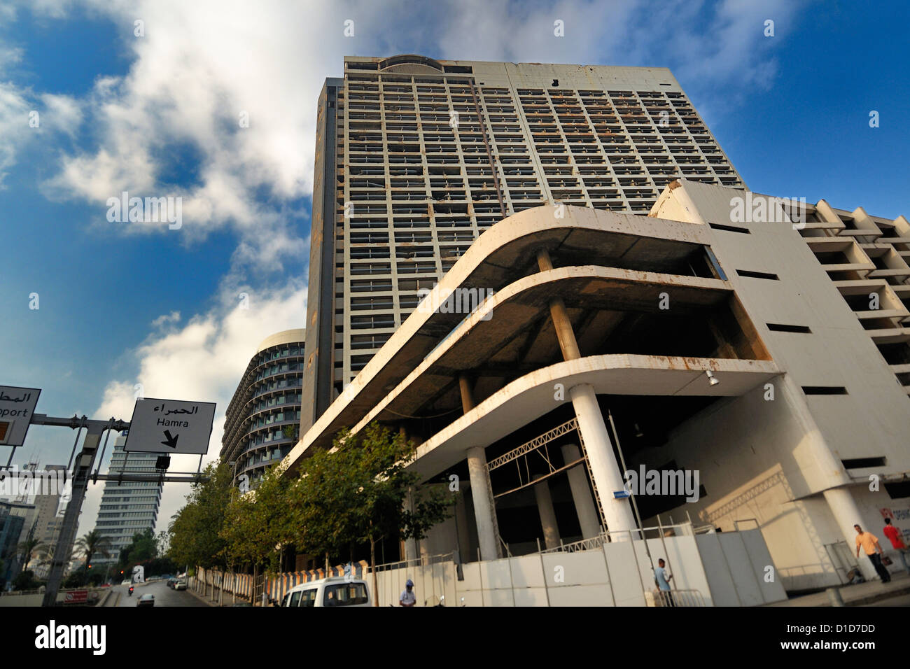 The famous Holliday Inn Hotel, during the lebanese civil war on the fire green line. Beirut, Lebanon Roberto Nistri - Stock Image