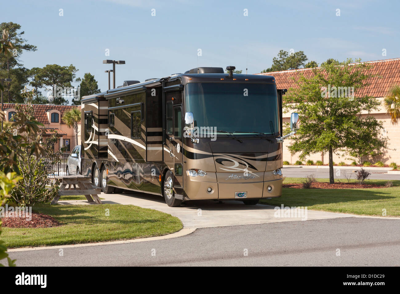 custom luxury rv, most expensive luxury rv, mobile luxury home, top 10 luxury rv, gulf shores luxury rv, on luxury rv mobile home