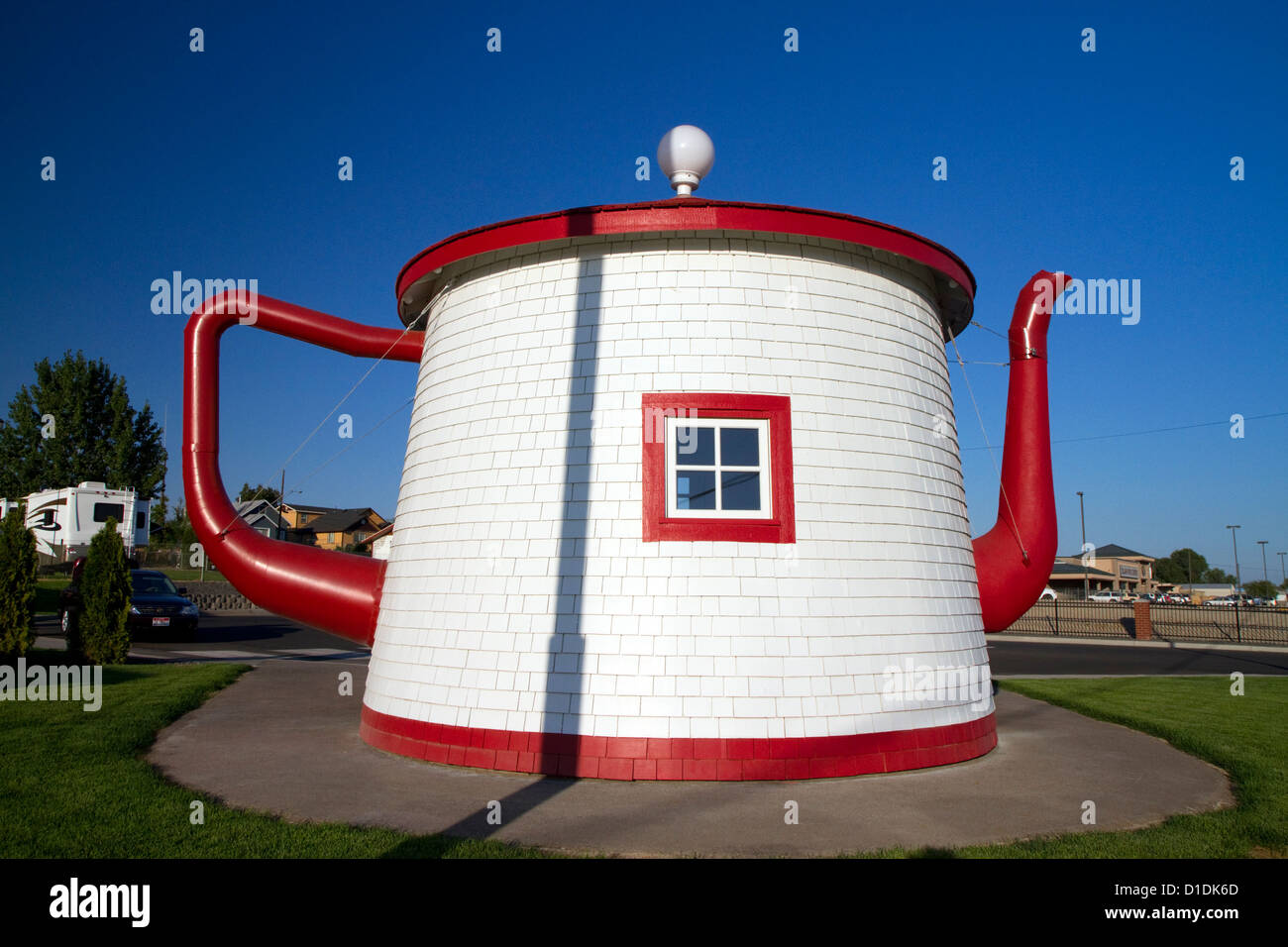 Teapot Dome Service Station roadside attraction at Zillah, Washington, USA - Stock Image