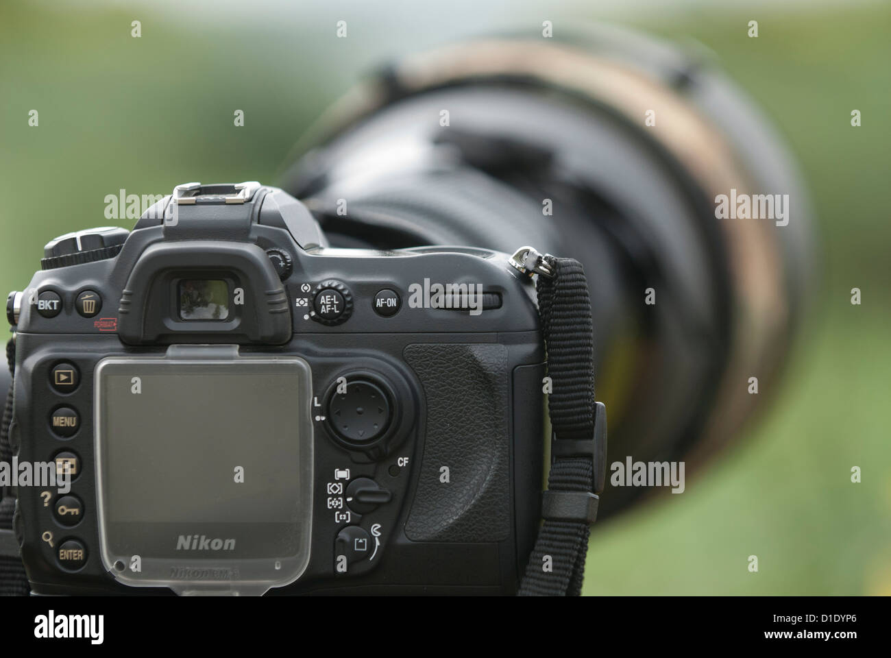 The 600mm f4 VR lens Nikon on a Nikon D200 camera used for sports and Bird Photography - Stock Image