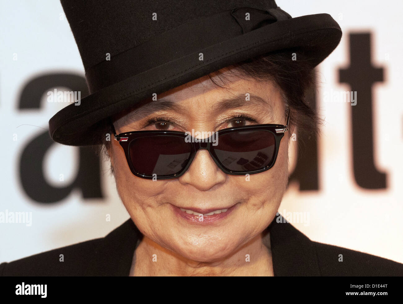 Human rights activist and artist Yoko Ono receives the Dr Rainer Hildebrandt Medal 2012 in Berlin, Germany, 14 December - Stock Image