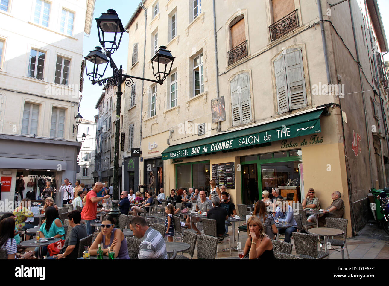 Street cafe in old city avignon vaucluse provence - Aix en provence salon de provence bus ...