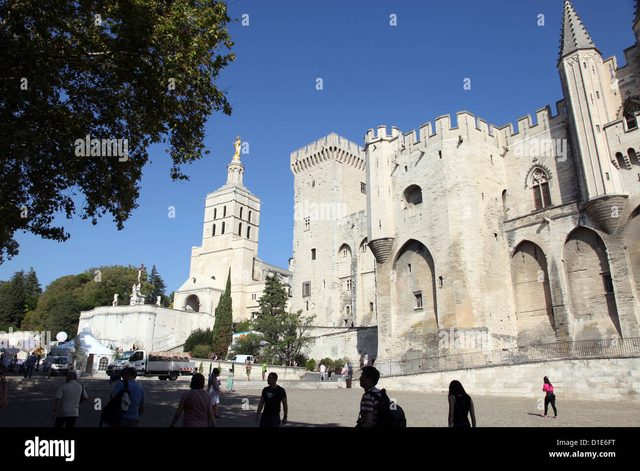 Exterior of Palais des Papes, UNESCO World Heritage Site, and church, Avignon, Vaucluse, Provence, France, Europe - Stock Image