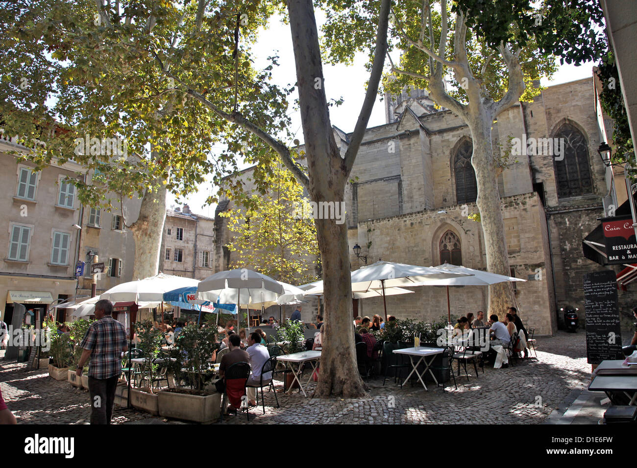 Street cafes in the old city of Avignon, Vaucluse, Provence, France, Europe Stock Photo