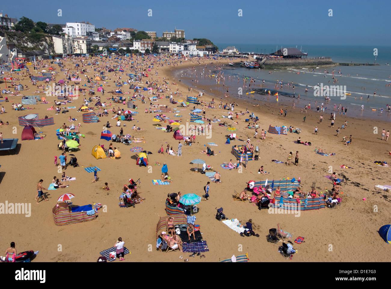 Beach, Viking Bay, Broadstairs, Kent, England, United Kingdom, Europe - Stock Image
