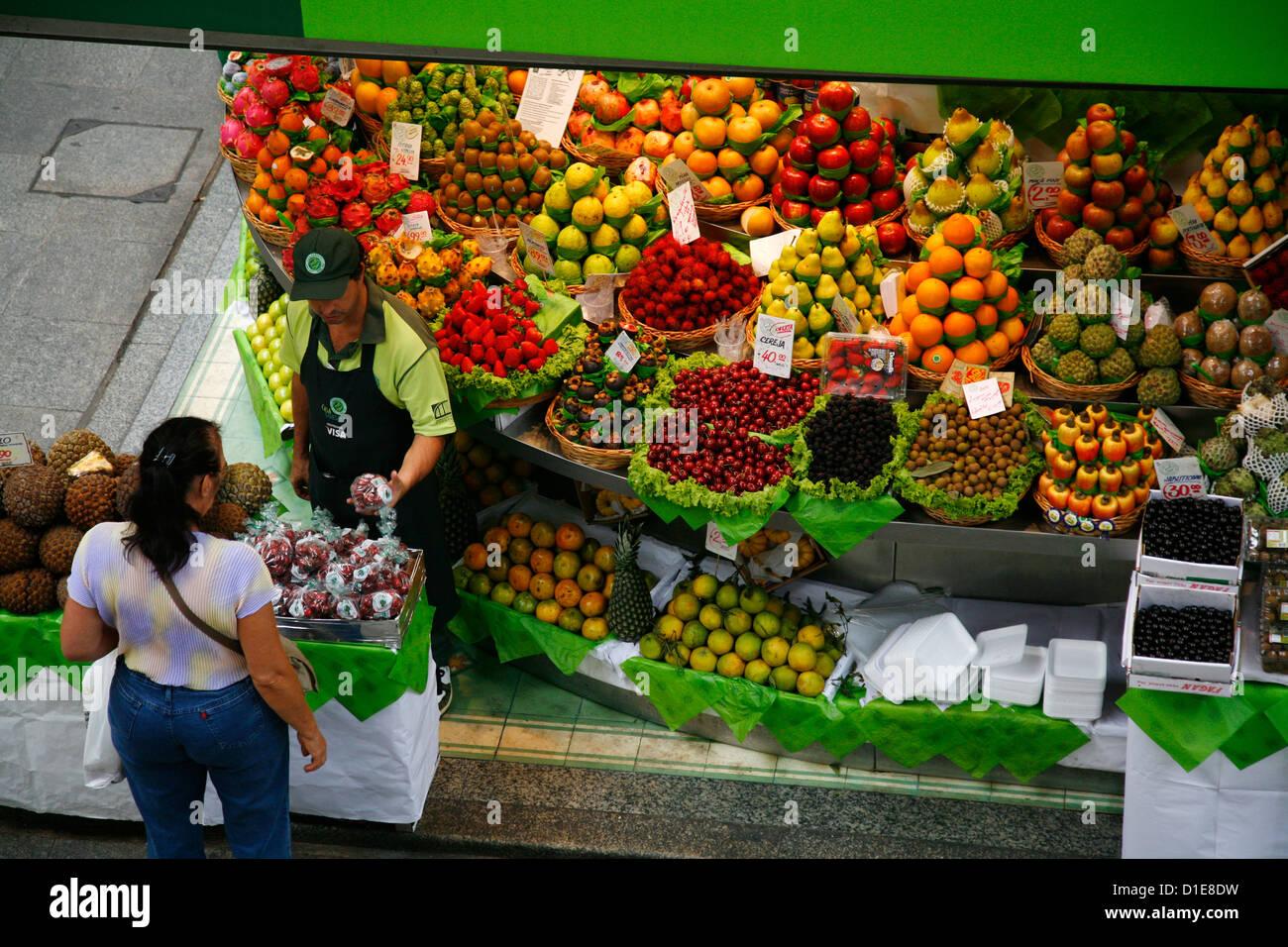 Fruit stall, Mercado Municipal, Sao Paulo, Brazil, South America - Stock Image