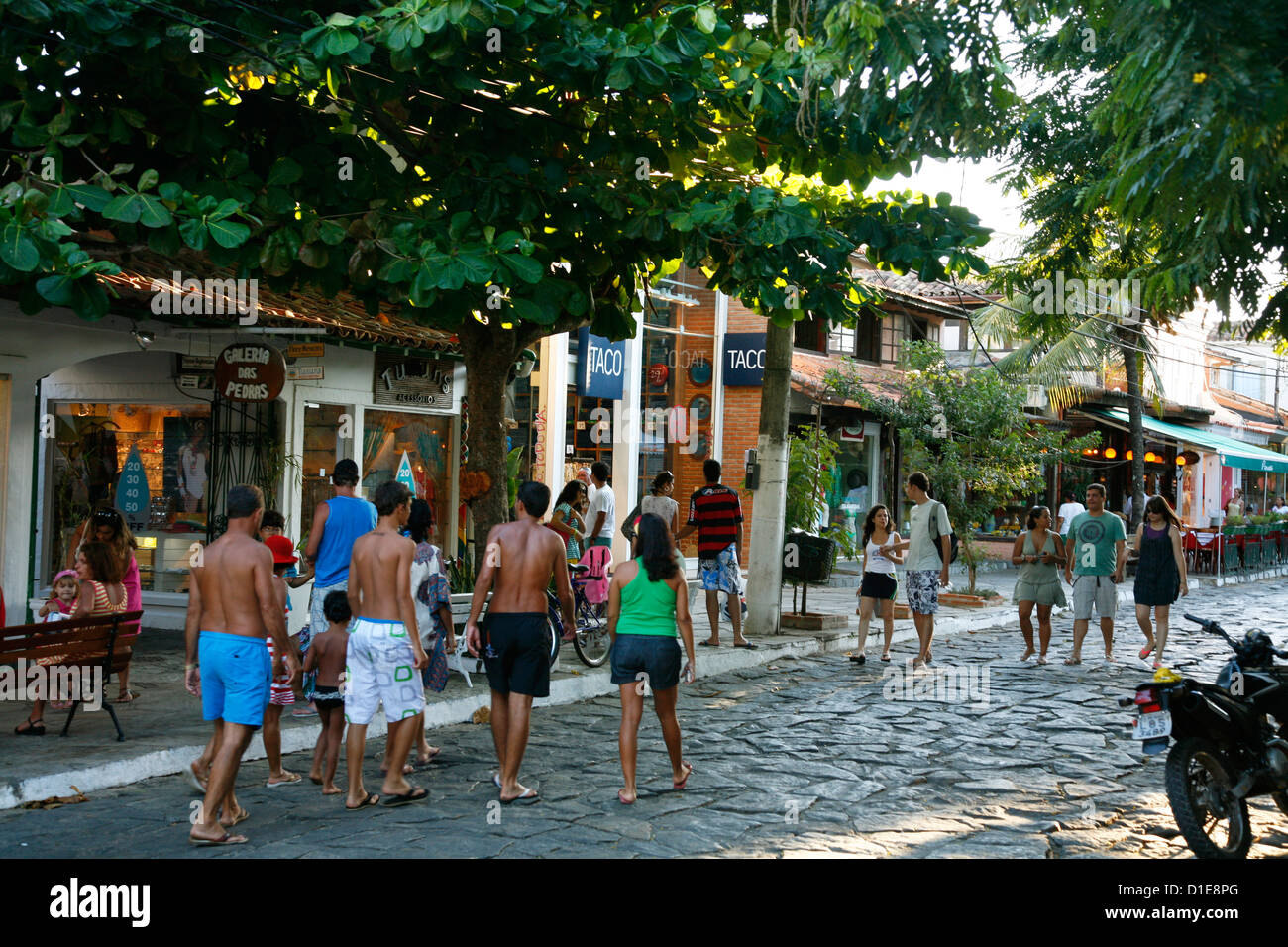 People walking on Rua das Pedras dotted with restaurants and boutiques, Buzios, Rio de Janeiro State, Brazil, South - Stock Image