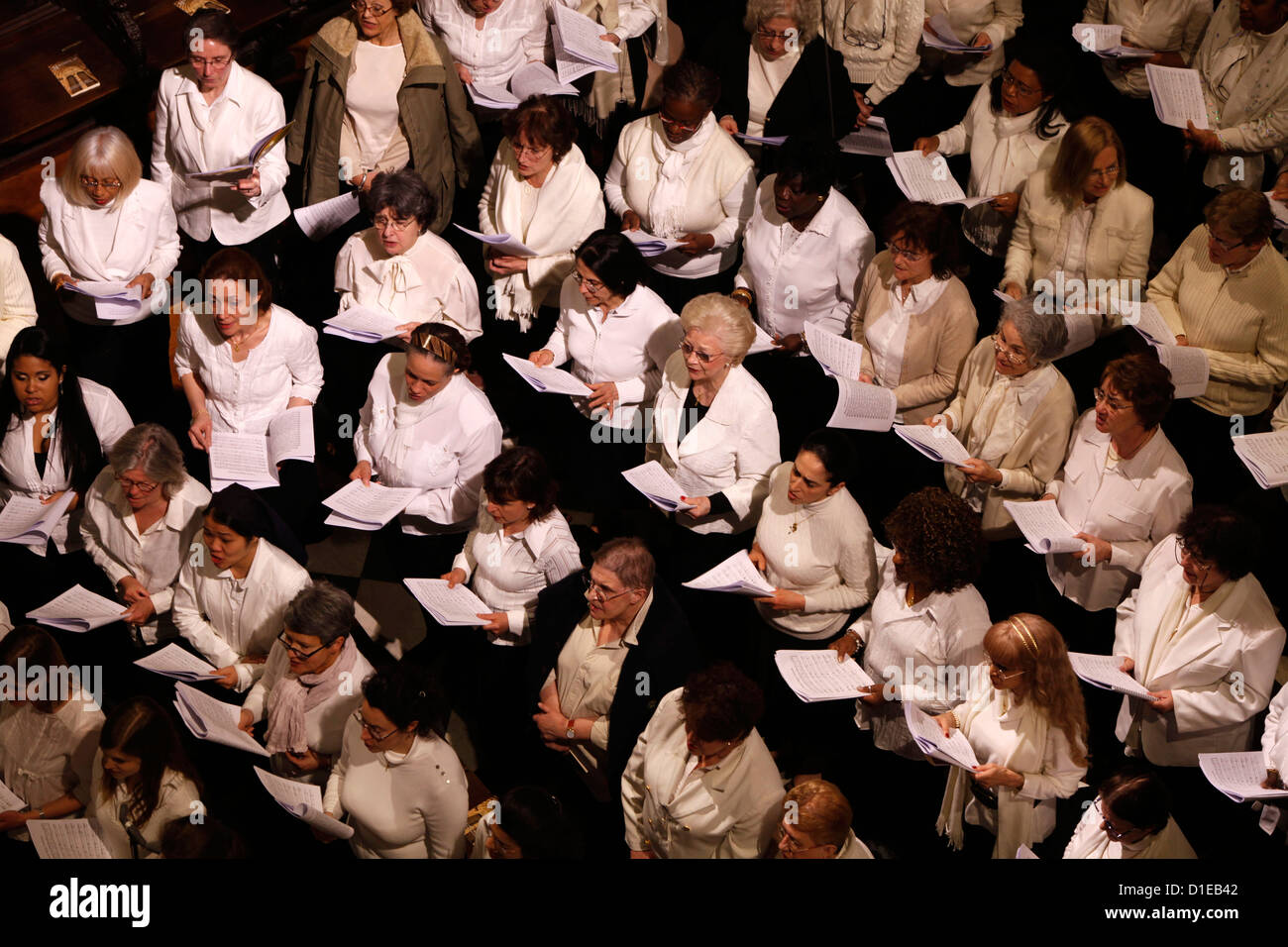 Choir in Notre Dame Cathedral, Paris, France, Europe - Stock Image