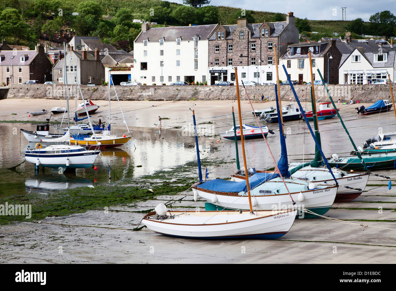 Beached yachts the Harbour at Stonehaven, Aberdeenshire, Scotland, United Kingdom, Europe - Stock Image