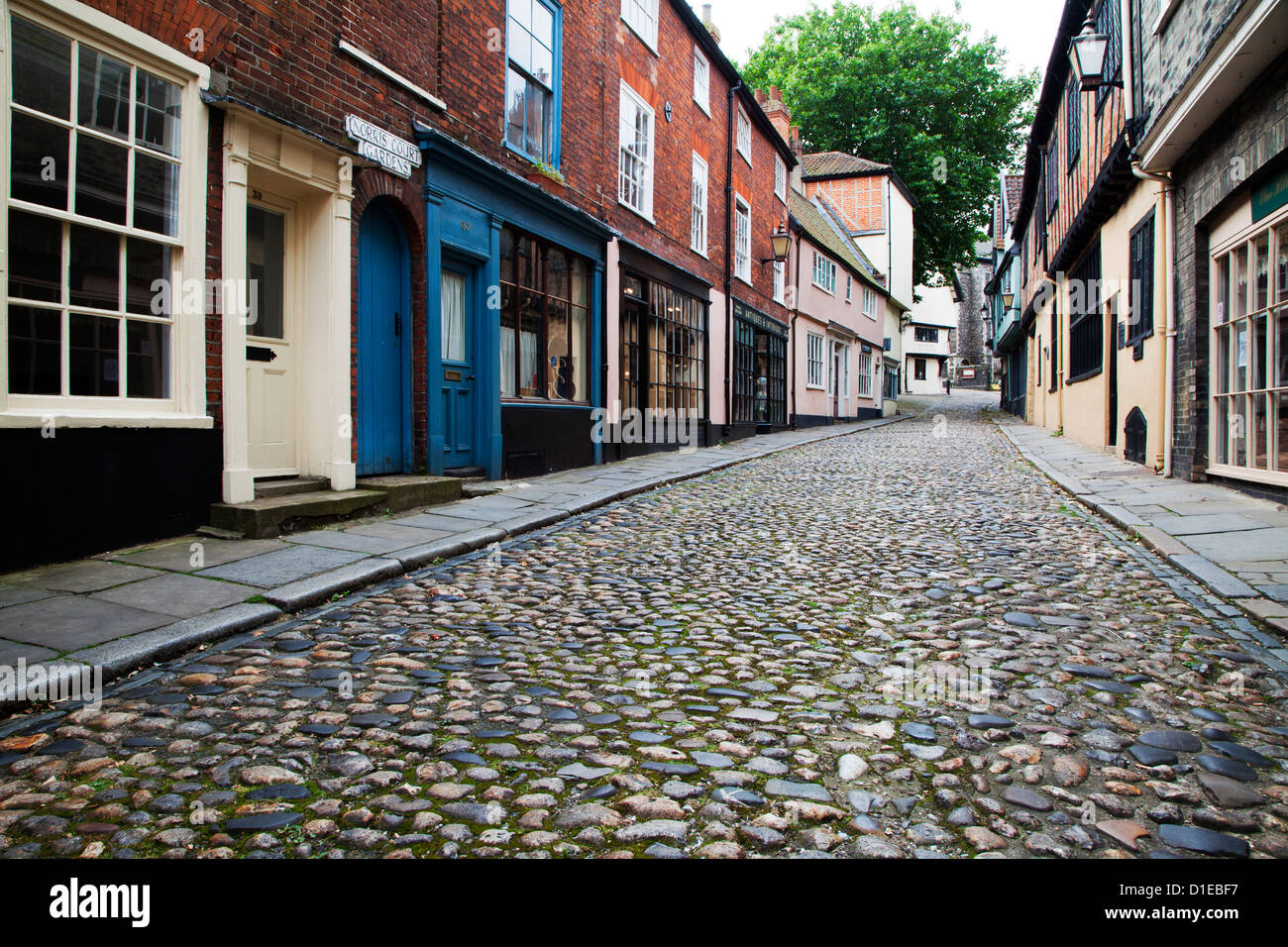 Old cobbled street, Elm Hill, Norwich, Norfolk, England, United Kingdom, Europe - Stock Image