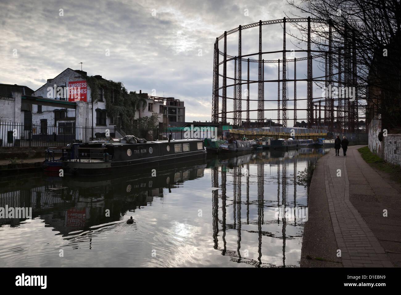 Grand Union Canal, Hackney, London, England, United Kingdom, Europe - Stock Image