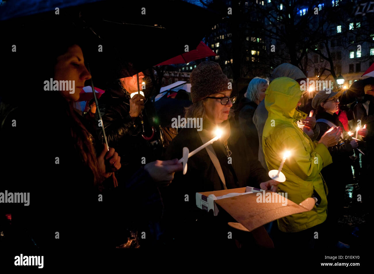 New York, NY -  16 December 2012 New Yorkers gathered in Washington Square Park for a Candlelight vigil to mourn - Stock Image