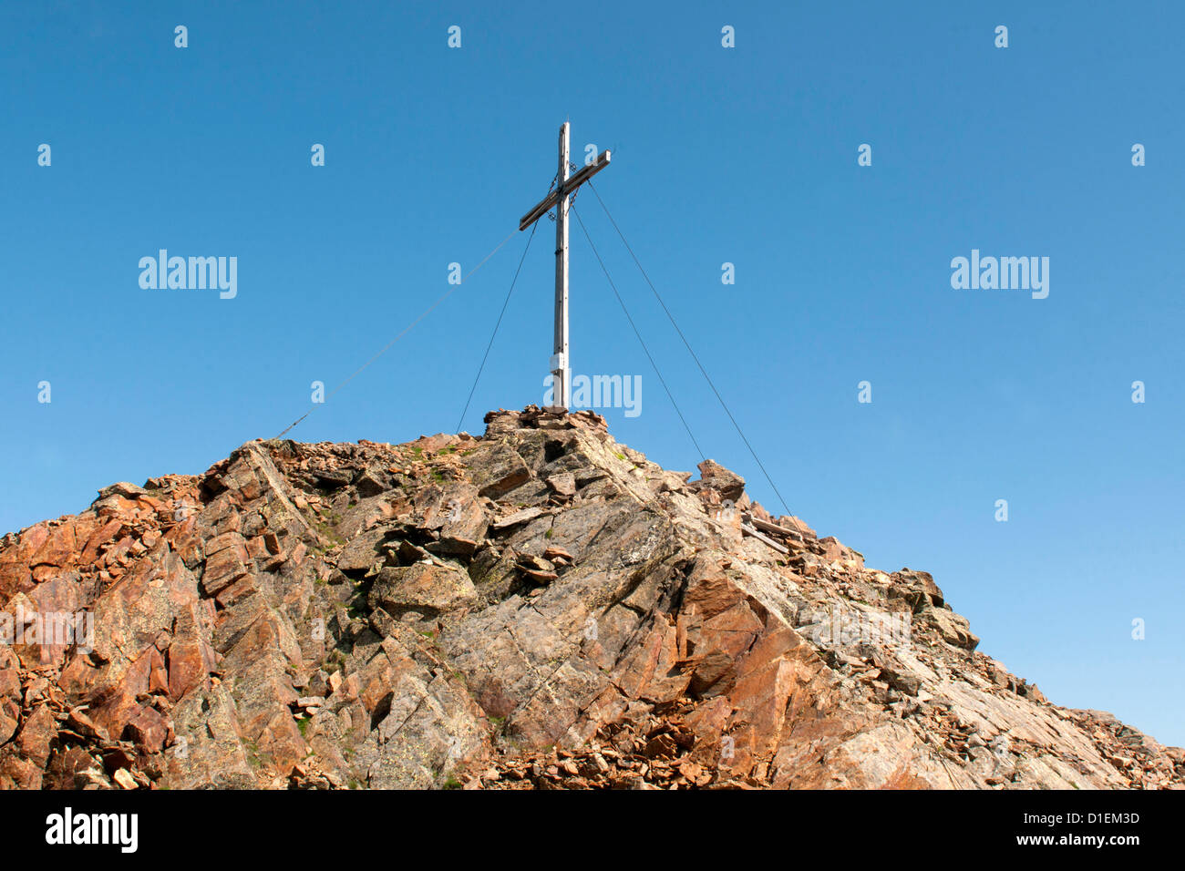 Summit cross on the Grosse Windschar, Zillertal Alps, South Tyrol, Italy - Stock Image