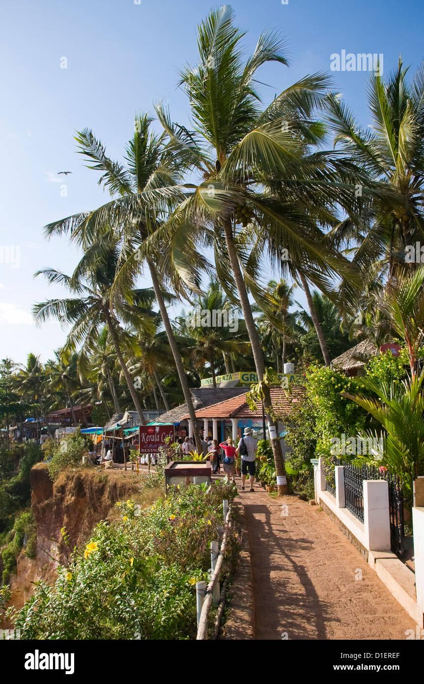 Vertical view along the cliff top pathway on Papanasam beach at Varkala, Kerala. - Stock Image