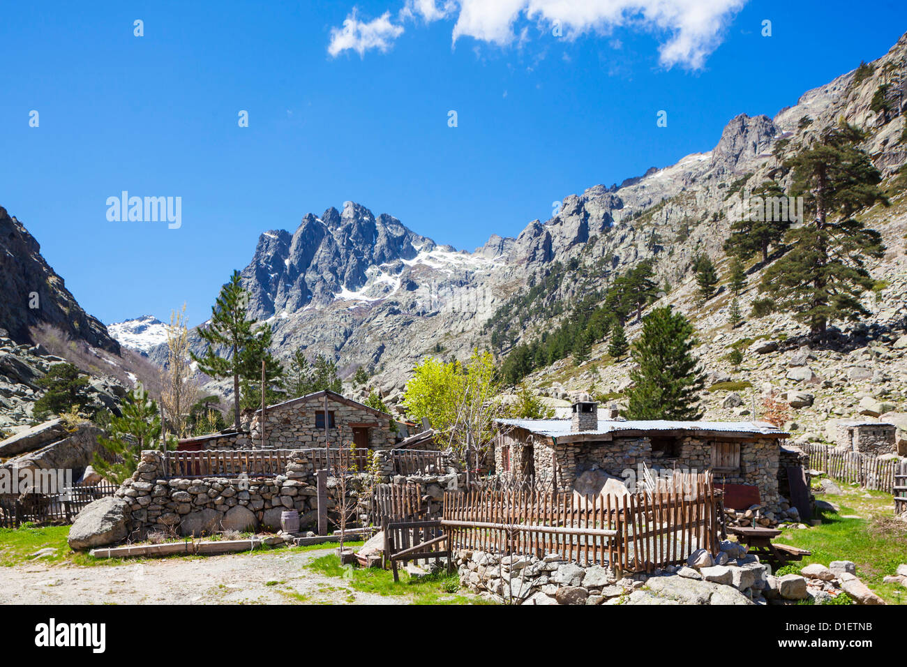 Shepherd's hut in the Restonica Valley, Corsica, France - Stock Image
