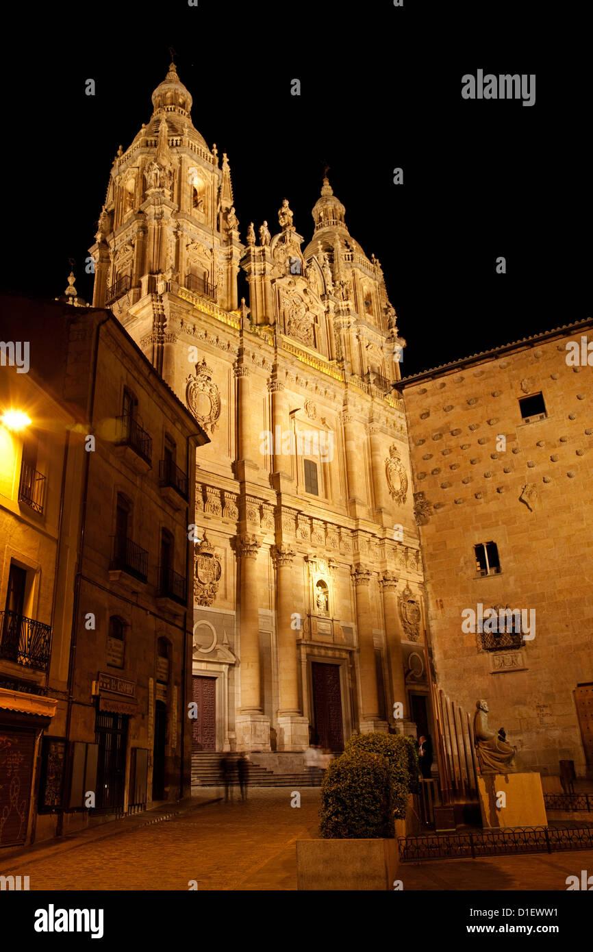 Casa de las Conchas and Universidad Pontificia Salamanca Castilla Leon Spain - Stock Image