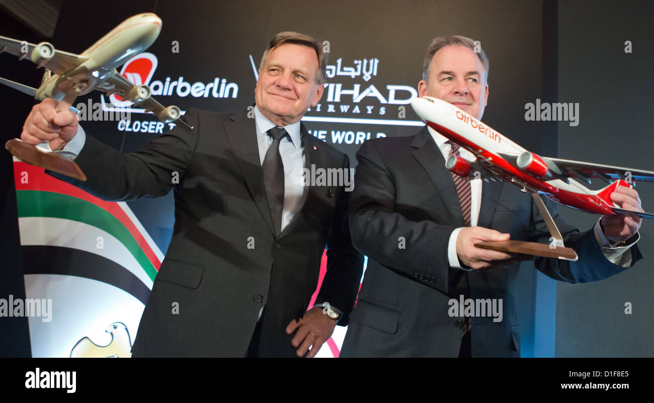 Hartmut Mehdorn (l), head of the Air Berlin board and James Hogan, president of Etihad Airway, attend a press conference - Stock Image