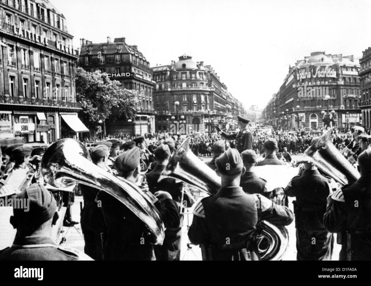 Concert of a German Air Force military band on Place de l'Opera in Paris in July 1940. Photo: Berliner Verlag/Archiv - Stock Image