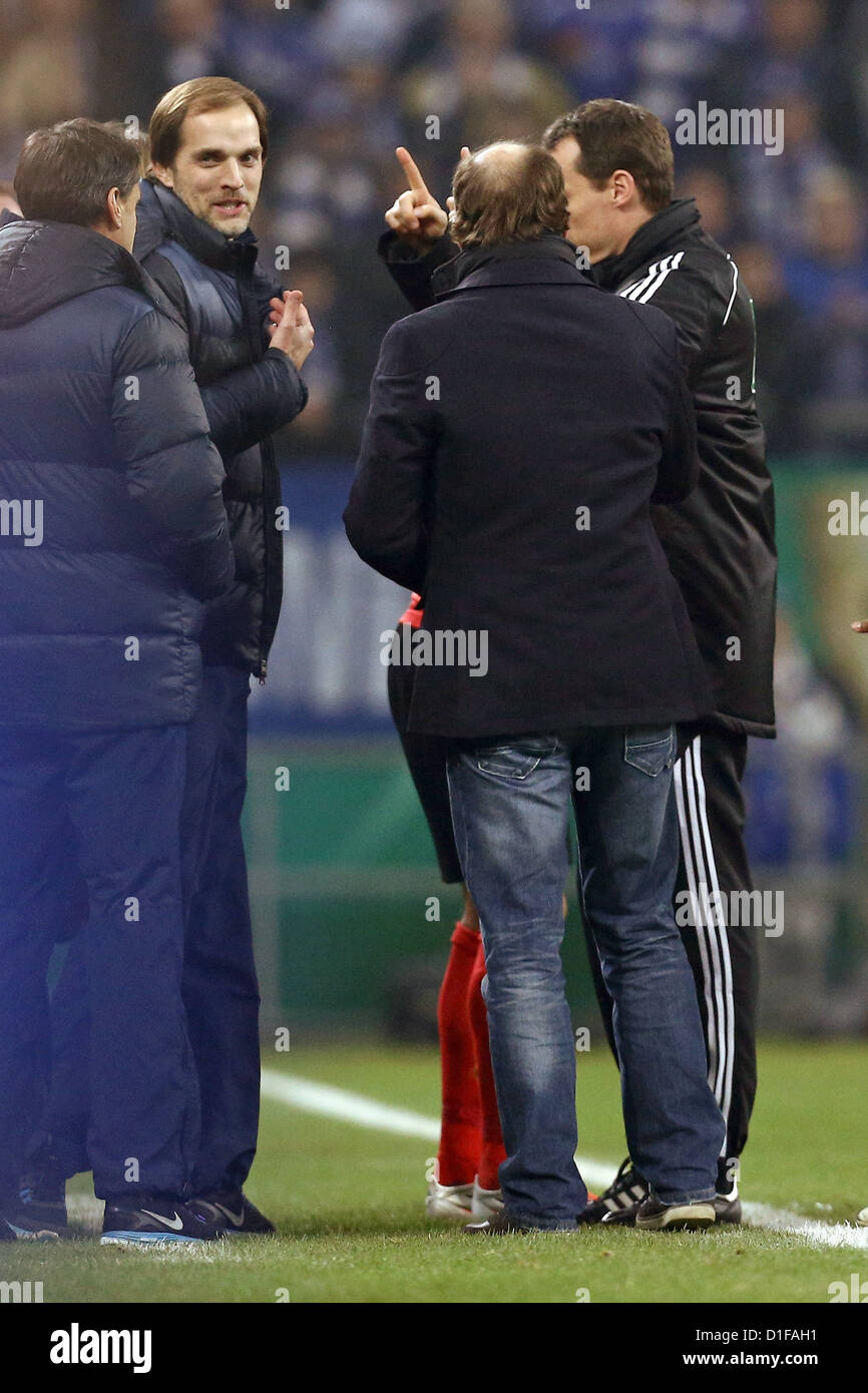 Mainz's head coach Thomas Tuchel (2-L) is sent to the stalls by referee Marco Fritz during the DFB cup match - Stock Image