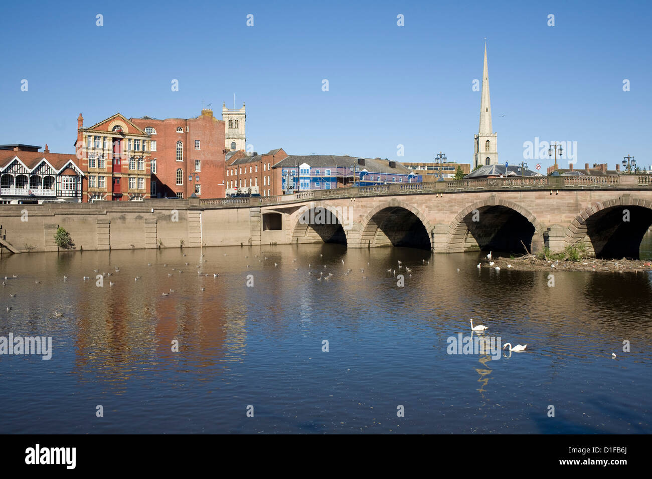 North Quay and bridge over River Severn, Worcester, Worcestershire, England, United Kingdom, Europe - Stock Image