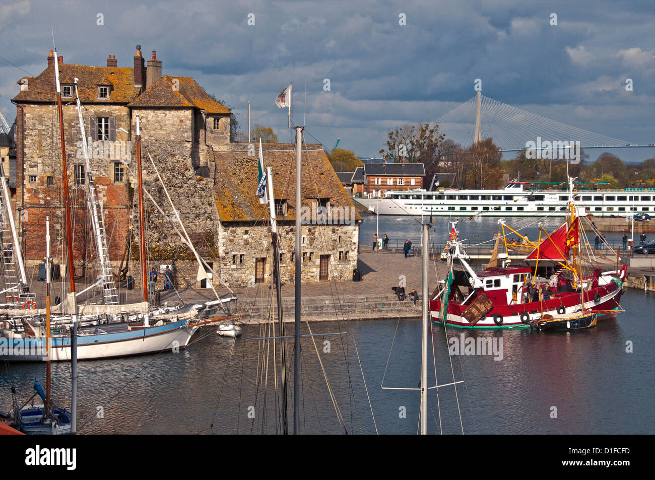 Tthe Vieux Bassin with the Lieutenance dating from the 17th century, and boats, Honfleur, Calvados, Normandy, France, - Stock Image